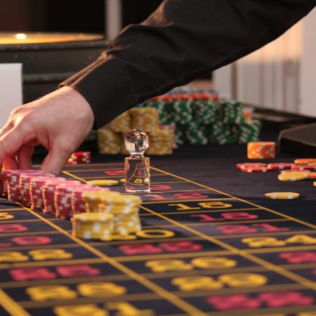 Stand Behind Roulette System